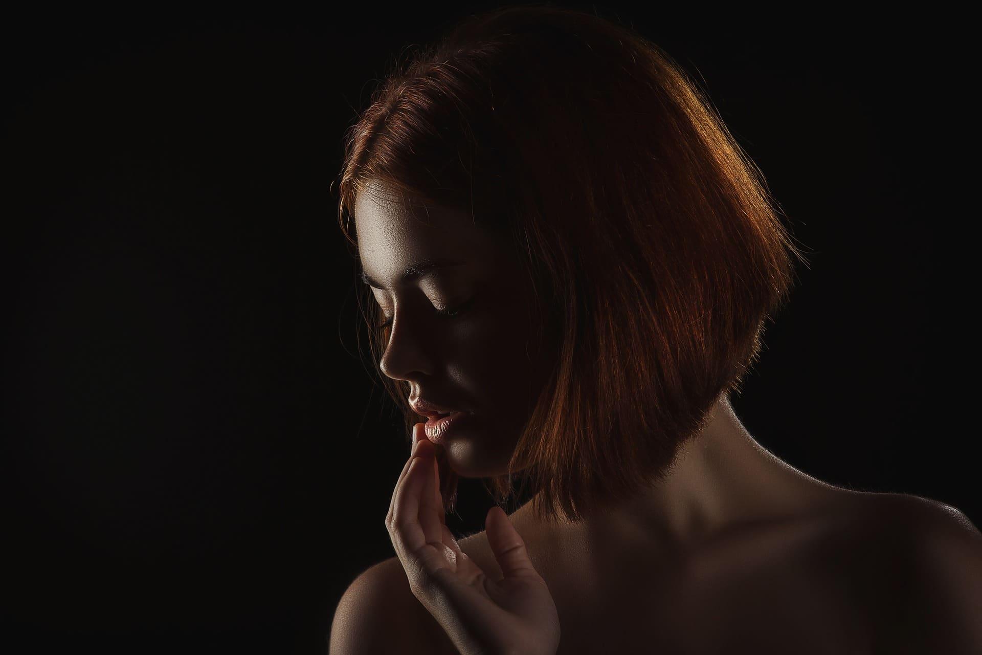 Bouton commissure des lèvres : comment le soigner rapidement ?